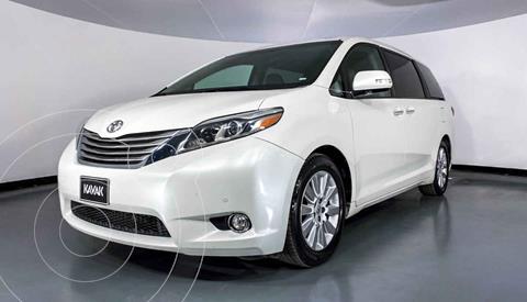 Toyota Sienna Limited 3.5L usado (2015) color Blanco precio $387,999