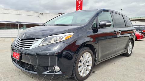 Toyota Sienna Limited 3.5L usado (2015) color Negro precio $449,000