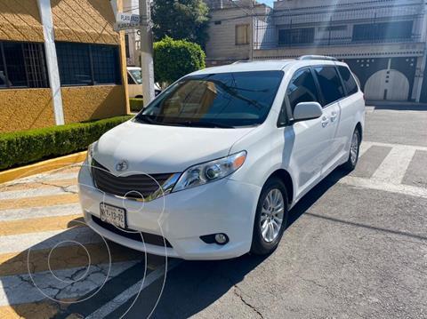 Toyota Sienna XLE Piel usado (2013) color Blanco precio $259,900