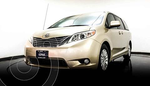 Toyota Sienna CE 3.3L usado (2013) color Dorado precio $284,999
