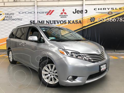 Toyota Sienna Limited 3.5L usado (2015) color Plata Dorado precio $390,000