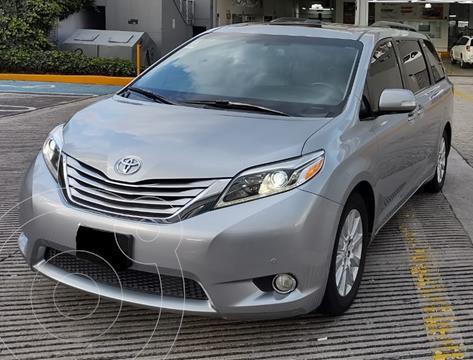 Toyota Sienna Limited 3.5L usado (2017) color Plata financiado en mensualidades(enganche $128,833 mensualidades desde $14,303)