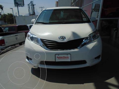 Toyota Sienna XLE 3.5L usado (2015) color Blanco precio $329,000