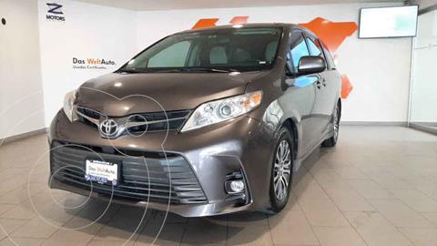 Toyota Sienna XLE 3.5L usado (2018) color Gris precio $459,000
