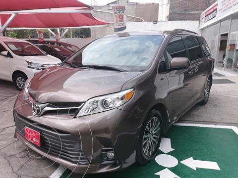 Toyota Sienna XLE 3.5L usado (2019) color Bronce precio $517,000