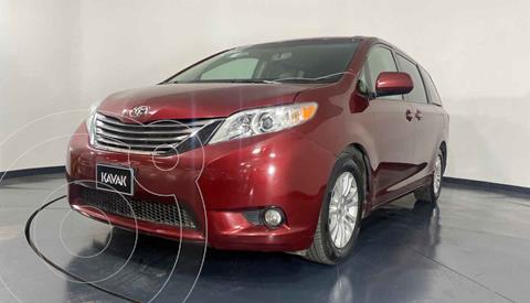 Toyota Sienna XLE 3.5L usado (2015) color Rojo precio $344,999
