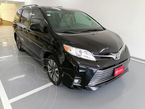 Toyota Sienna XLE 3.5L Piel usado (2020) color Negro precio $619,000