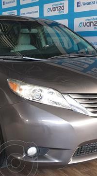 Toyota Sienna XLE 3.5L Piel usado (2011) color Gris Oscuro precio $215,000