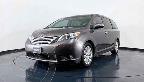 Toyota Sienna Limited 3.3L usado (2013) color Gris precio $319,999