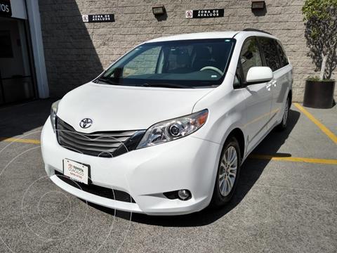 Toyota Sienna XLE 3.3L usado (2012) color Blanco precio $235,000