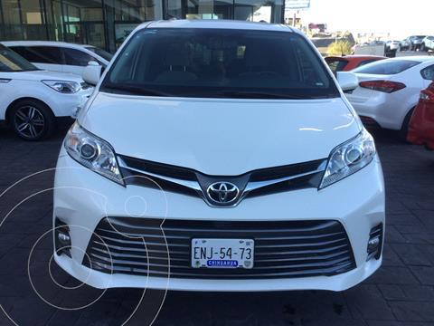 Toyota Sienna XLE 3.5L usado (2019) color Blanco precio $478,000