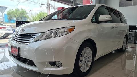 Toyota Sienna Limited 3.5L usado (2014) color Blanco Perla precio $399,000