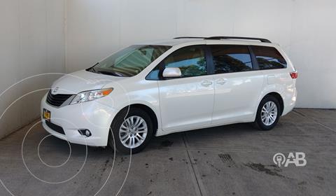 Toyota Sienna XLE 3.5L usado (2017) color Blanco precio $398,000
