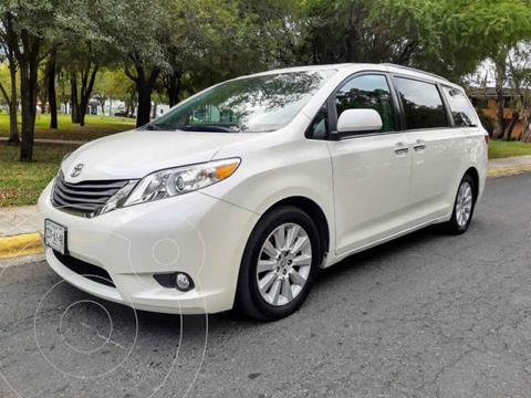 Toyota Sienna XLE 3.5L Piel usado (2015) color Blanco precio $350,000