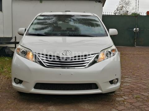 Toyota Sienna Limited 3.5L usado (2012) color Blanco precio $270,000