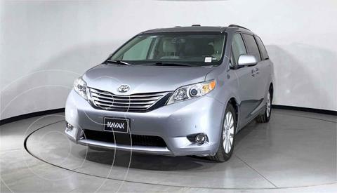 Toyota Sienna Limited 3.3L usado (2012) color Plata precio $307,999