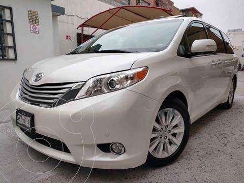 Toyota Sienna Limited 3.5L usado (2014) color Blanco precio $319,000