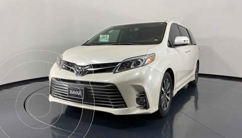 Toyota Sienna Limited 3.5L usado (2018) color Blanco precio $582,999