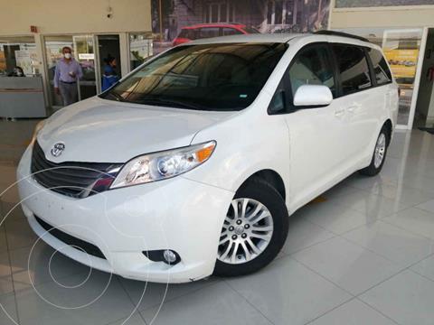 Toyota Sienna XLE 3.5L usado (2017) color Blanco precio $360,000