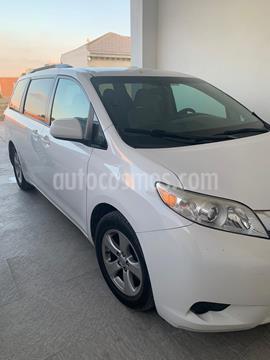 Toyota Sienna LE 3.5L usado (2015) color Blanco precio $295,000