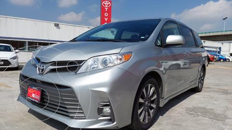 Toyota Sienna XLE Piel usado (2019) color Plata precio $549,000