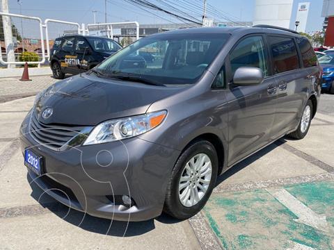 Toyota Sienna XLE 3.5L usado (2012) color Gris Oscuro precio $219,000
