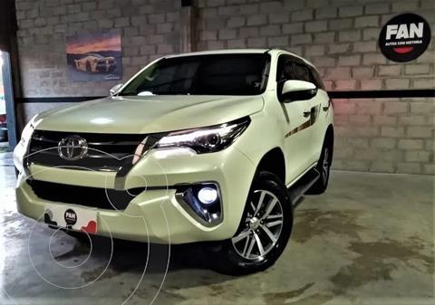 Toyota SW4 4x4 Sr 2.8 Tdi 6m/t 5 Asientos usado (2019) color Blanco precio u$s42.000