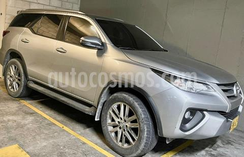 Toyota SW4 2.7L Street mid 4x2 usado (2018) color Gris precio $126.000.000