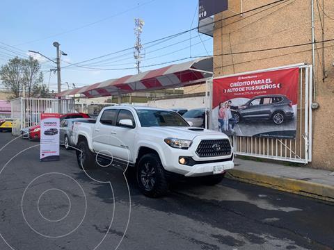 Toyota Tacoma TRD Sport 4x4 usado (2019) color Blanco precio $680,000