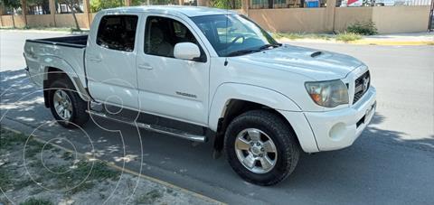 Toyota Tacoma TRD Sport usado (2011) color Blanco precio $300,000