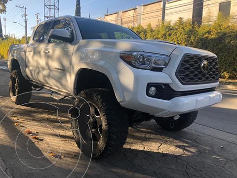 Toyota Tacoma TRD Sport 4x4 usado (2017) color Blanco precio $570,000