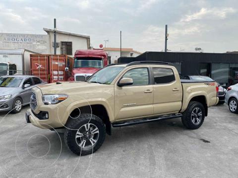Toyota Tacoma TRD Sport 4x4 usado (2019) color Cafe precio $680,800