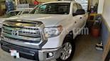 Toyota Tundra 5.7L Crew Max SR5 4x2 usado (2017) color Blanco precio $440,000