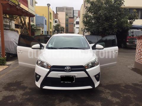 Toyota Yaris Hatchback 1.3L usado (2015) color Blanco precio u$s11,500