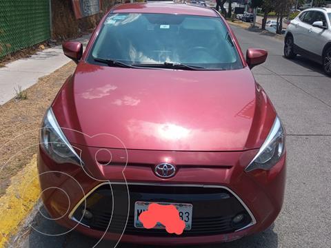 Toyota Yaris R XLE Aut usado (2016) color Rojo precio $165,000