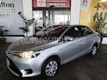 Foto venta Auto usado Toyota Yaris Sedan Core Aut color Plata precio $195,000