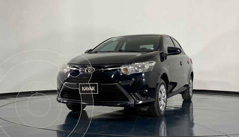 Toyota Yaris Sedan Core usado (2017) color Blanco precio $191,999
