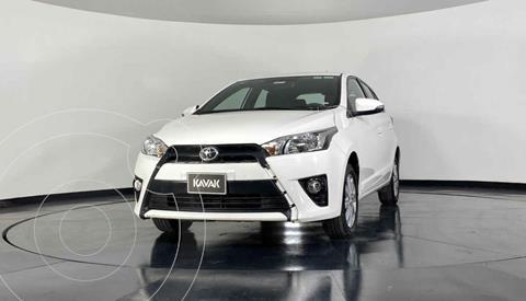 Toyota Yaris Sedan 5P 1.5L S Aut usado (2017) color Blanco precio $234,999