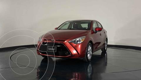 Toyota Yaris Sedan XLE Aut usado (2017) color Rojo precio $239,999