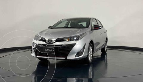 Toyota Yaris Sedan S usado (2018) color Plata precio $233,999