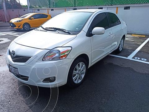 Toyota Yaris Sedan Premium Aut usado (2016) color Blanco precio $182,000