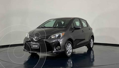 Toyota Yaris Sedan Premium usado (2015) color Gris precio $179,999