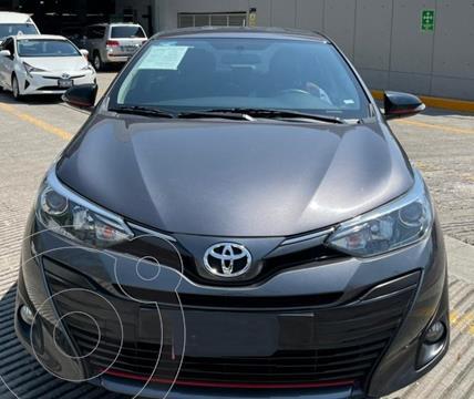 Toyota Yaris Sedan S usado (2020) color Gris financiado en mensualidades(enganche $64,300 mensualidades desde $7,222)