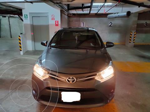 Toyota Yaris Sedan 1.3 usado (2016) color Gris Oscuro precio u$s12,500