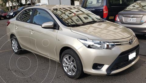 Toyota Yaris Sedan 1.3L GLi CVT usado (2017) color Beige Metalico precio u$s13,600