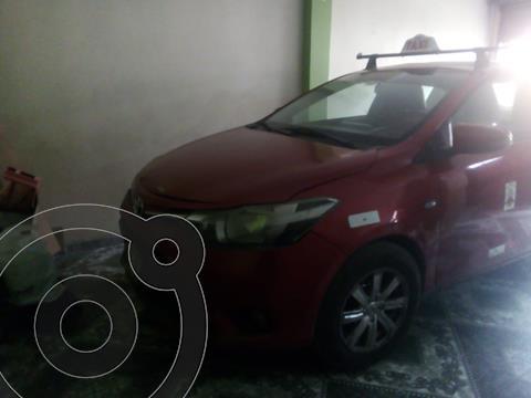 Toyota Yaris Sedan 1.3 usado (2017) color Rojo Metalizado precio u$s9,500