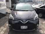 Foto venta Auto Seminuevo Toyota Yaris 5P 1.5L Premium (2015) color Gris Oxford precio $164,640