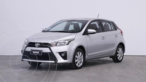 Toyota Yaris 1.5 S usado (2018) color Gris Plata  precio $1.650.000