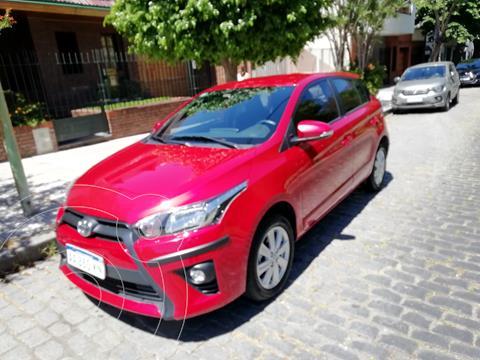Toyota Yaris 1.5 CVT usado (2017) color Rojo precio $1.780.000