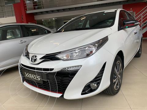 Toyota Yaris 1.5 XS nuevo color Blanco financiado en cuotas(cuotas desde $23.583)